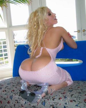 Секс блондинки с большой жопой