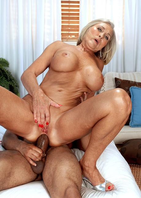 Free cougar pictures milfs