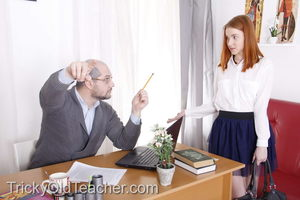 Препод в кабинете насадил на крепкий кукан рыженькую студентку в короткой юбке